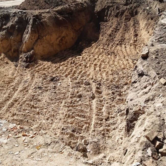 Подготовка котлована под фундамент идет полным ходом, готовы армирующие каркасы для буроинъекционных свай.