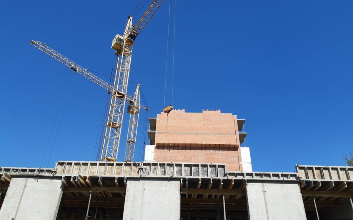 Завершаем капитальное строительство секции №2. Перекрытие второго уровня паркинга секции № 1