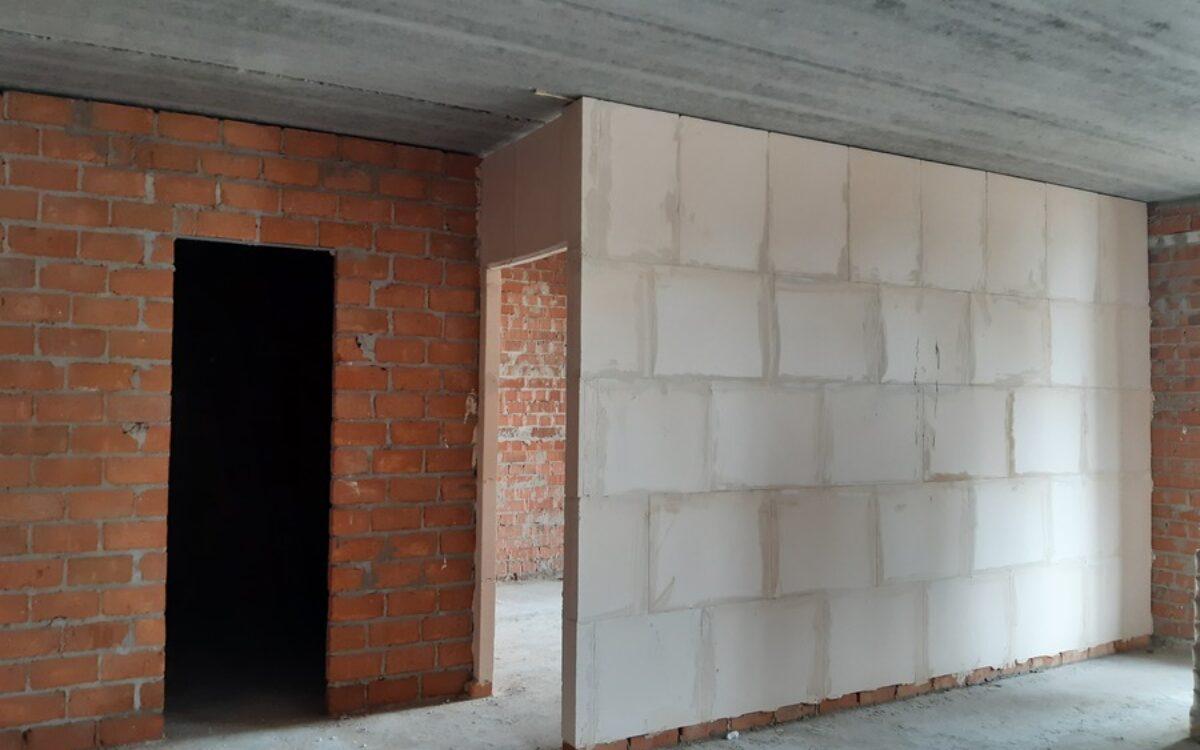 Внутриквартирные перестенки на 3 этаже готовы, секция №1