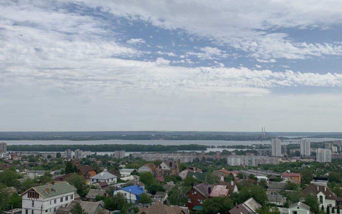 вид на город и реку с секции № 2