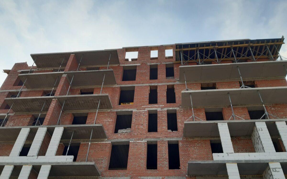 Завершаем возведение 7-го этажа секции №1