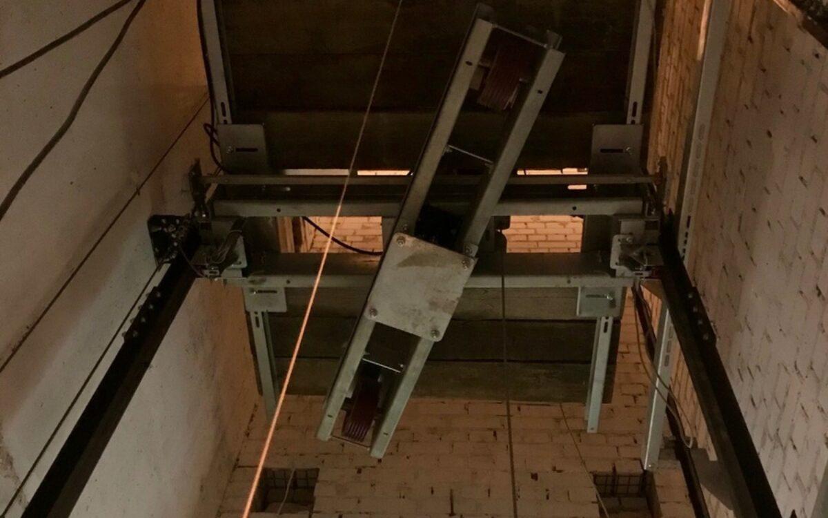 Установка лифтового оборудования в секции № 1